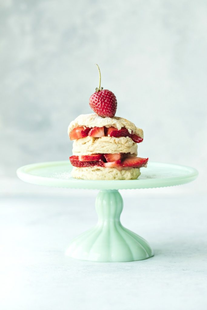 strawberry shortcake on little pedestal green dis