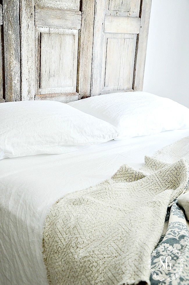 white summer bedding