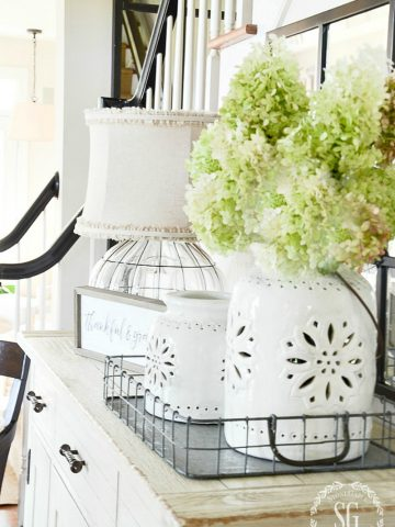 EVERYTHING YOU NEED TO KNOW ABOUT DECORATING WITH BURLAP