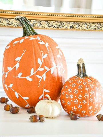WHITE PAINTED PUMPKIN DIY