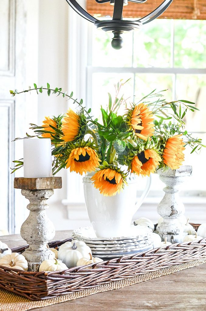 SUNFLOWER AND PUMPKINS IN A VIGNETTE- GREAT FALL DECORATING IDEA
