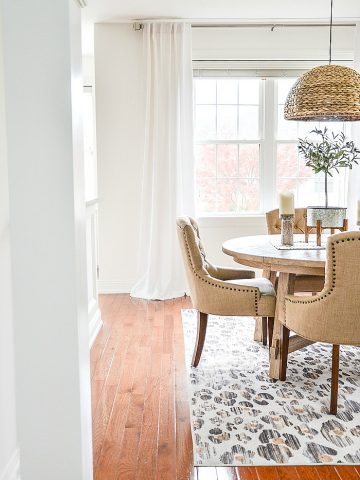 WHAT TO KNOW ABOUT HANGING CURTAINS