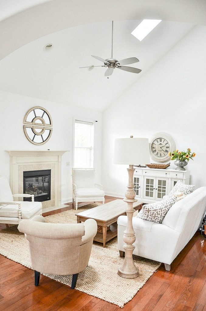 picture of neutral colored great room