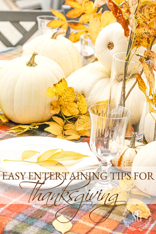 easy thanksgiving tips like set an easy table using a tartan thow for a tablecloth!