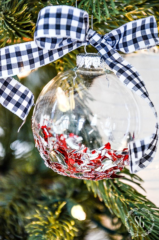 Christmas decorating idea- broken glass Christmas ornament