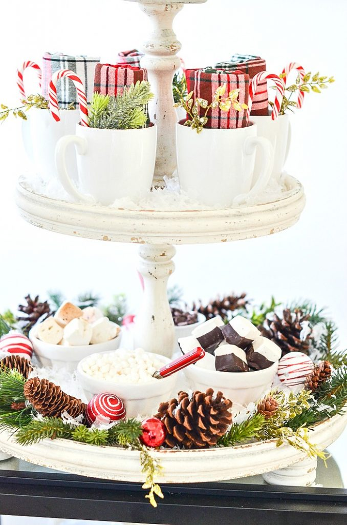 marshmallows on a Christmas hot chocolate bar