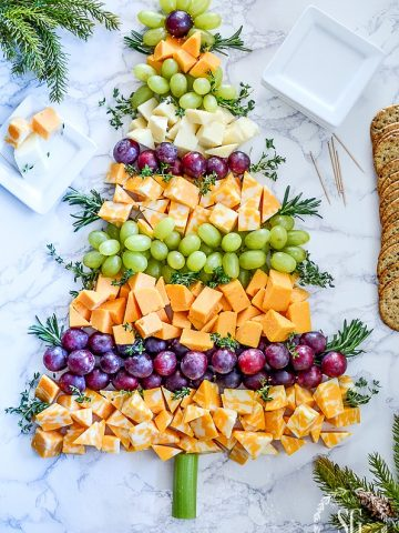 OH, CHRISTMAS TREE CHEESE BOARD