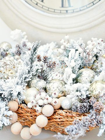 ORGANIZE CHRISTMAS DECOR WITH NEXT YEAR IN MIND