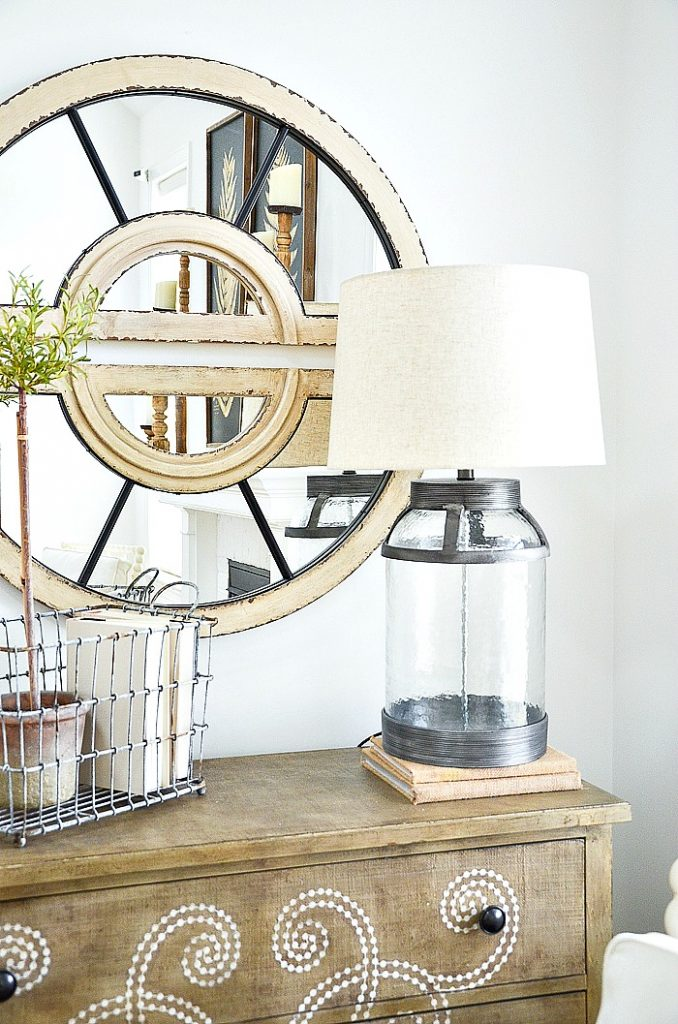 CHOOSING A FARMHOUSE LAMP