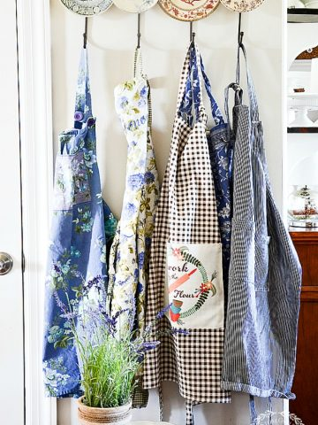 8 WONDERFUL REASONS TO WEAR AN APRON