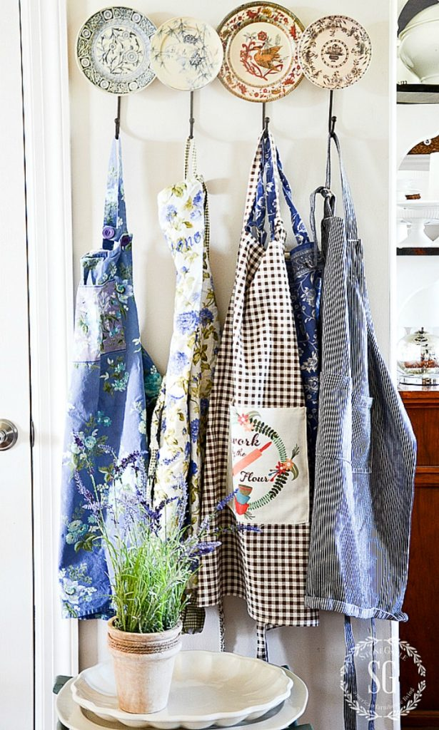 Funny Sayings Apron Wine A Bit You/'ll Feel Better Cooking Aprons