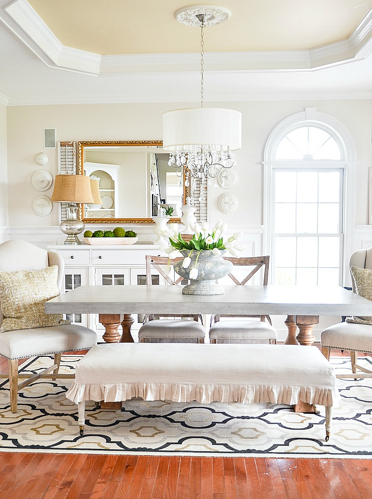 classic dining room with beautiful chandelier