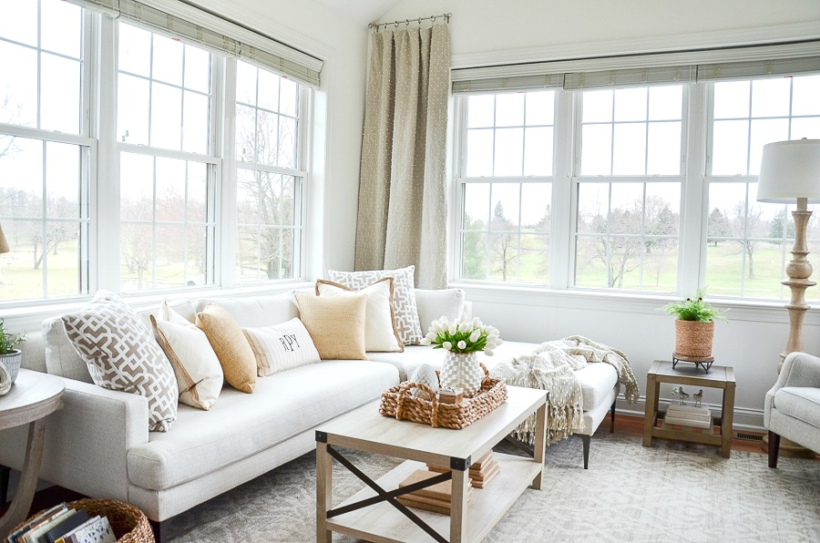 SUNROOM DECORATED FOR SPRING