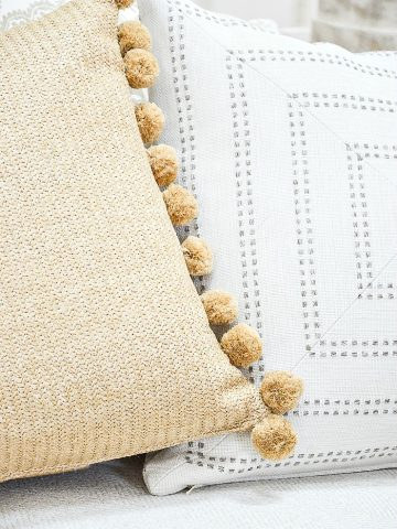 BEST SUMMER PILLOWS AND SUMMERY IDEAS