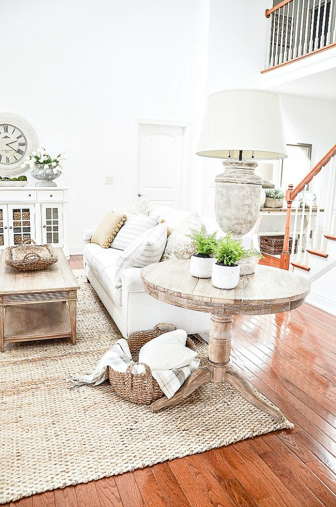 GREAT ROOM WITH LOTS OF SPRING DECORATING IDEAS