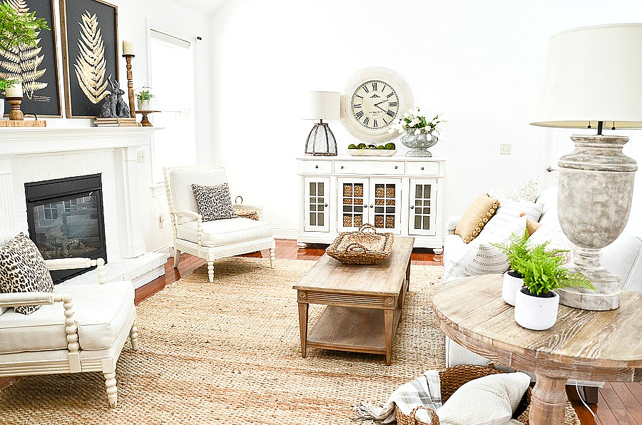 GREAT ROOM DECORATED FOR SPRING