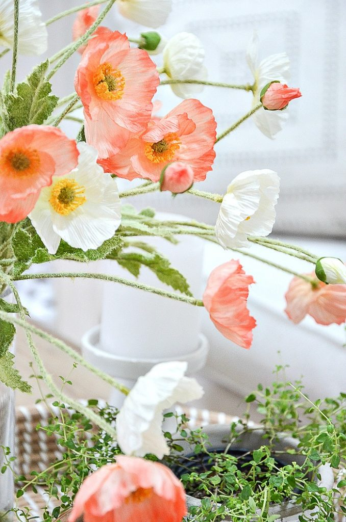VIGNETTE WITH FAUX POPPIES