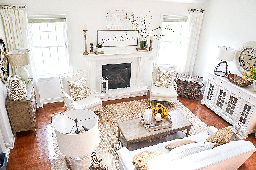 TOP VIEW OF NEUTRAL COLORED GREAT ROOM