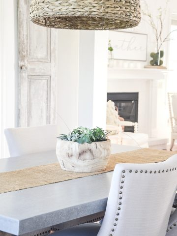 BEAUTIFUL TRANSITIONAL DINING ROOM TABLES