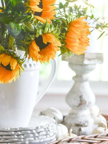 LET' CREATE A GORGEOUS FALL VIGNETTE
