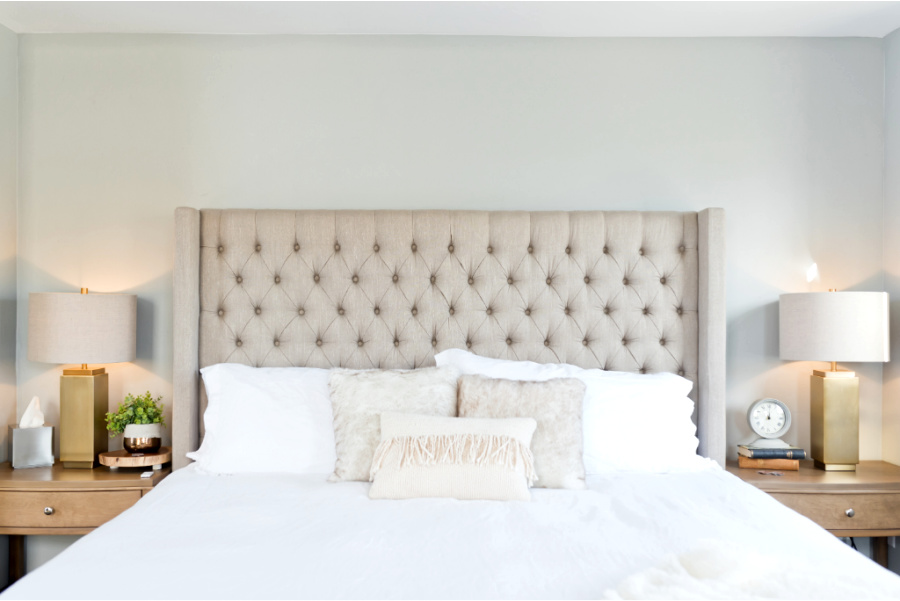 LARGE NEUTRAL UPHOLSTERED BED
