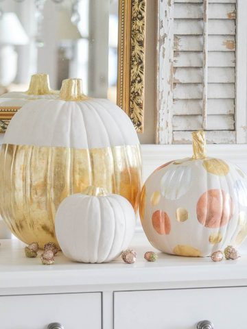 HOW TO GILD A PUMPKIN
