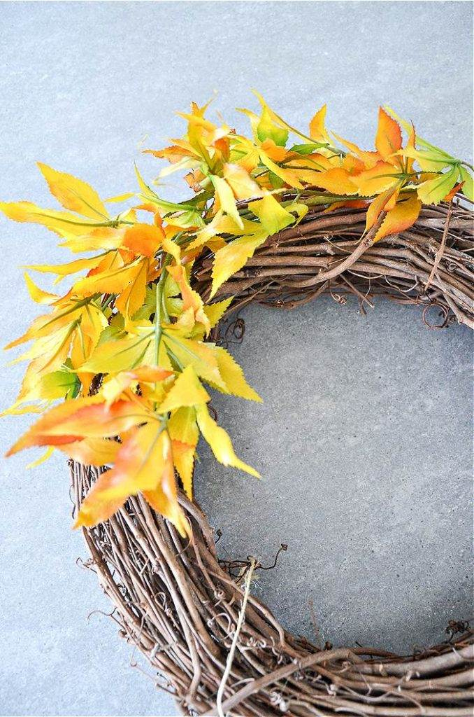 ADDING LEAVES TO A GRAPEVINE WREATH