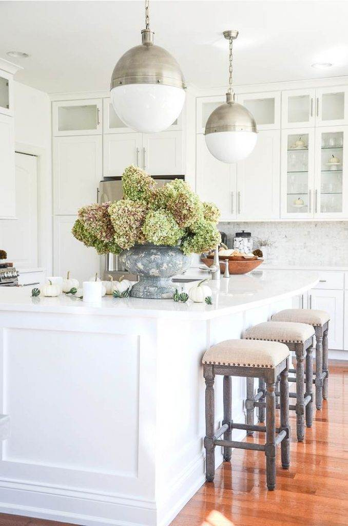 A KITCHEN DECORATED FOR FALL