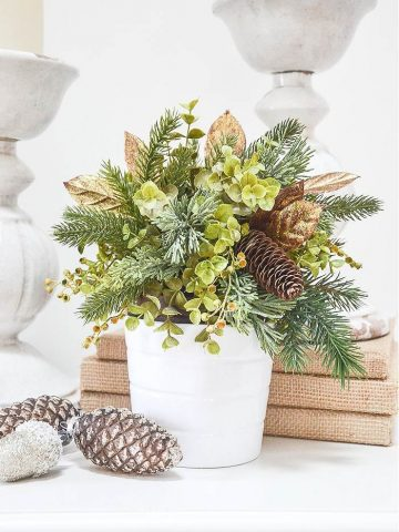 EASY CHRISTMAS ARRANGEMENT HACK