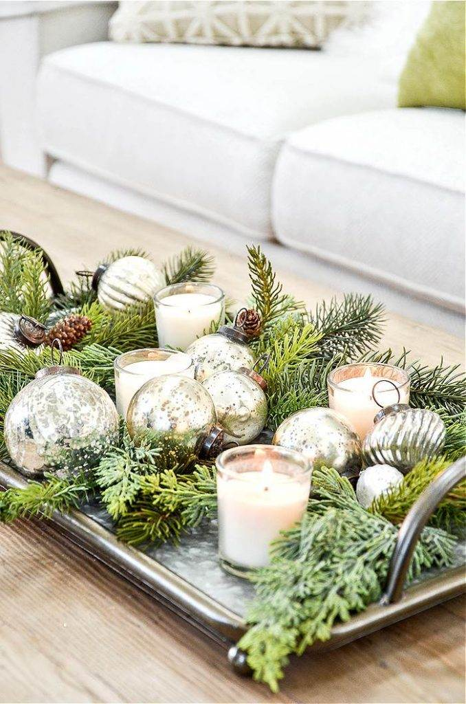 CHRISTMAS ARRANGEMENT ON A COFFEE TABLE