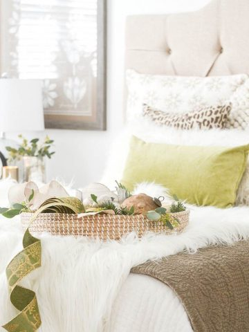 TIPS FOR DECORATING A CHRISTMAS BEDROOM