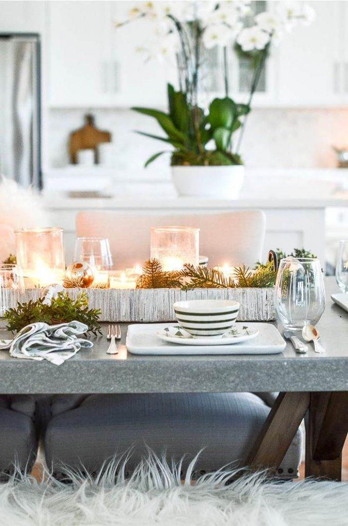 DINING TABLE SET FOR CHRISTMAS BRUNCH