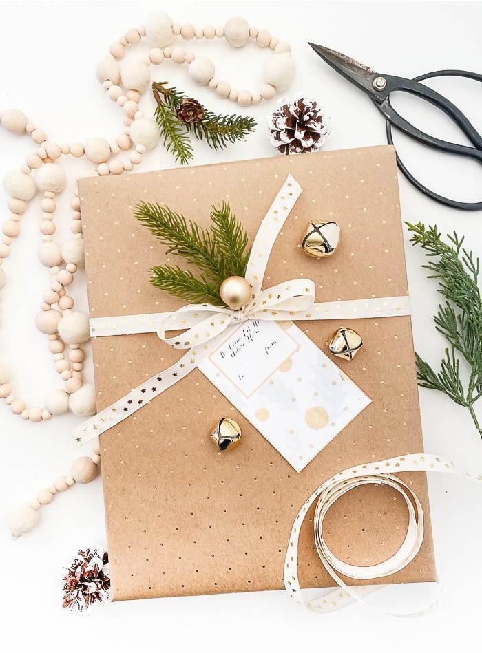 GIFT TAG ON A CHRISTMAS PRESENT