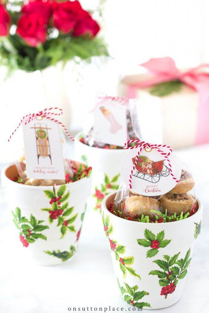 decorative pots used as cookie containtera