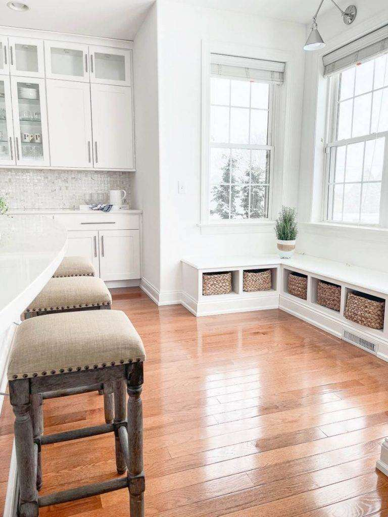 BANQUETTE AREA IN KITCHEN