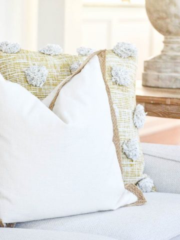 5 BEST NO-FAIL TIPS FOR ARRANGING PILLOWS