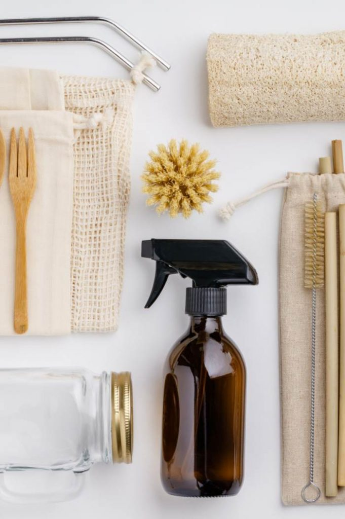 CLEANING PRODUCTS, SPONGES AND BRUSHES