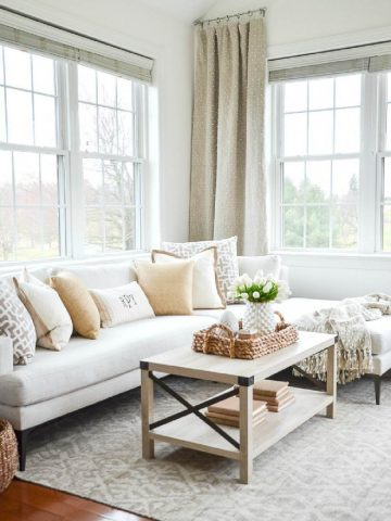 HOW TO MAKE A SMALL SPACE LIVE LARGE