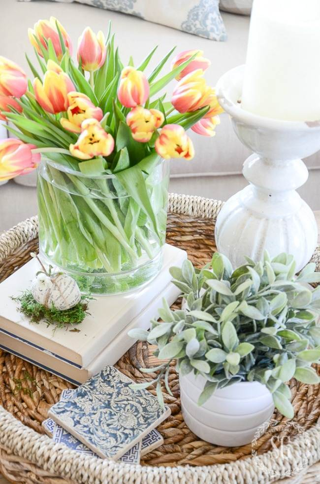 BEAUTIFUL TULIPS IN A VIGNETTE