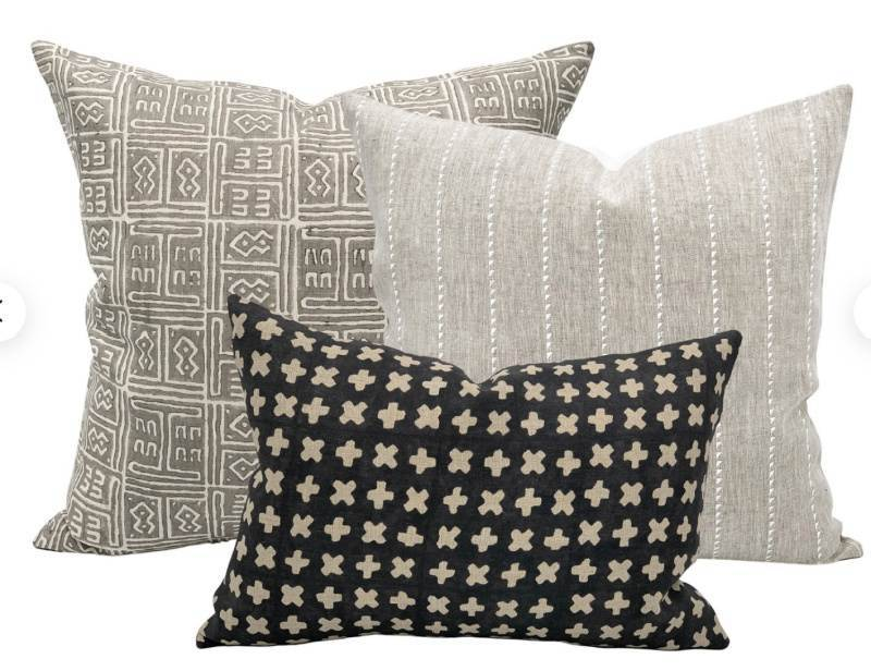 PILLOW COLLECTION IN NEUTRALS