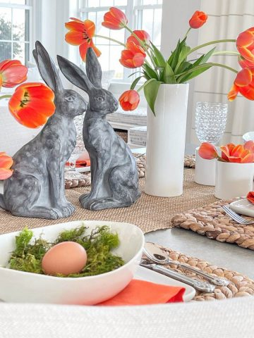 MODERN AND SIMPLE EASTER TABLE
