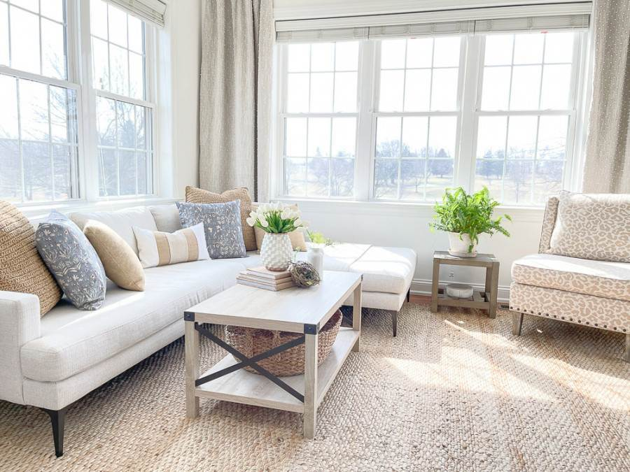 PAIRING SQUARE PILLOWS ADDS TO THE BEAUTY OF A ROOM
