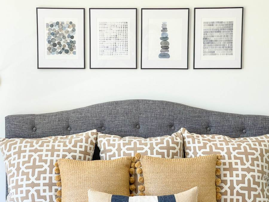 PILLOWS ON A GUEST BEDROOM BED