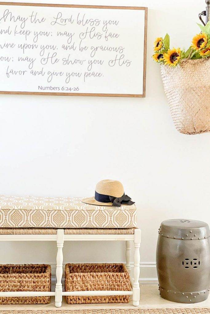 UPHOLSTERED BENCH IN THE FOYER