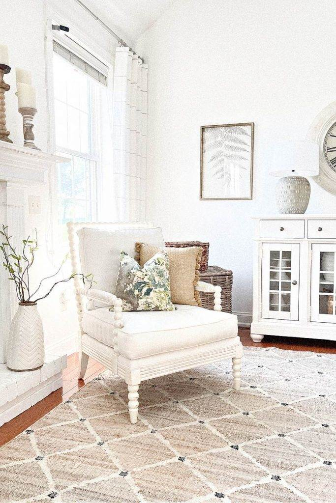LIVING ROOM MIXING DECORATING STYLES