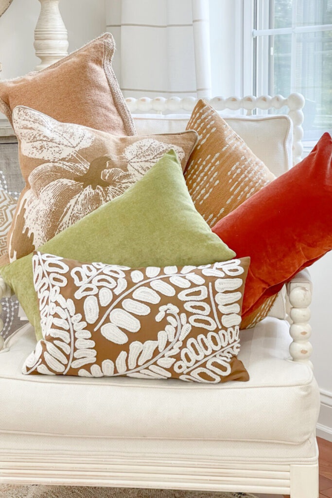 COLORFUL FALL PILLOWS FOR FALL