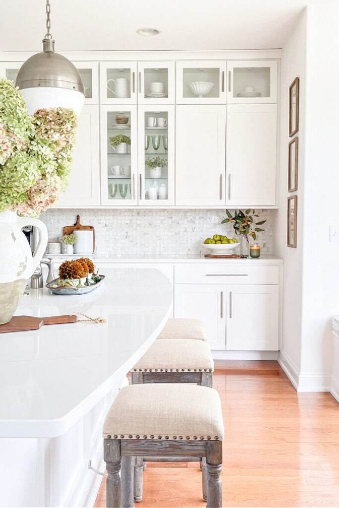 FALL DECORATED KITCHEN
