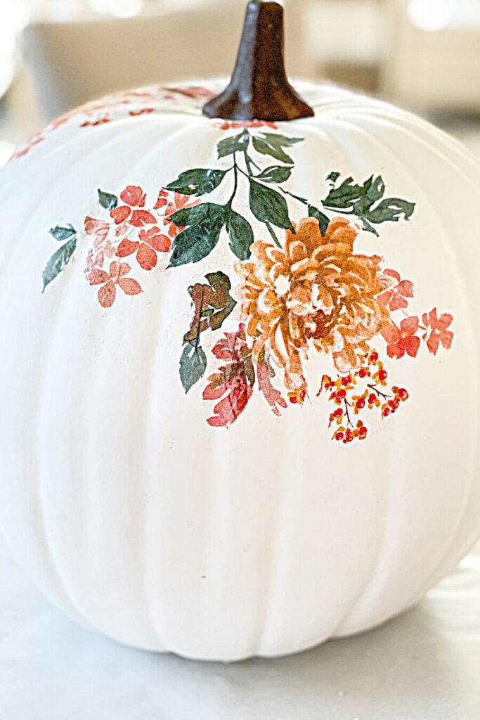 ADDING A DISGN TO THE TORN TISSUE PUMPKIN IDY