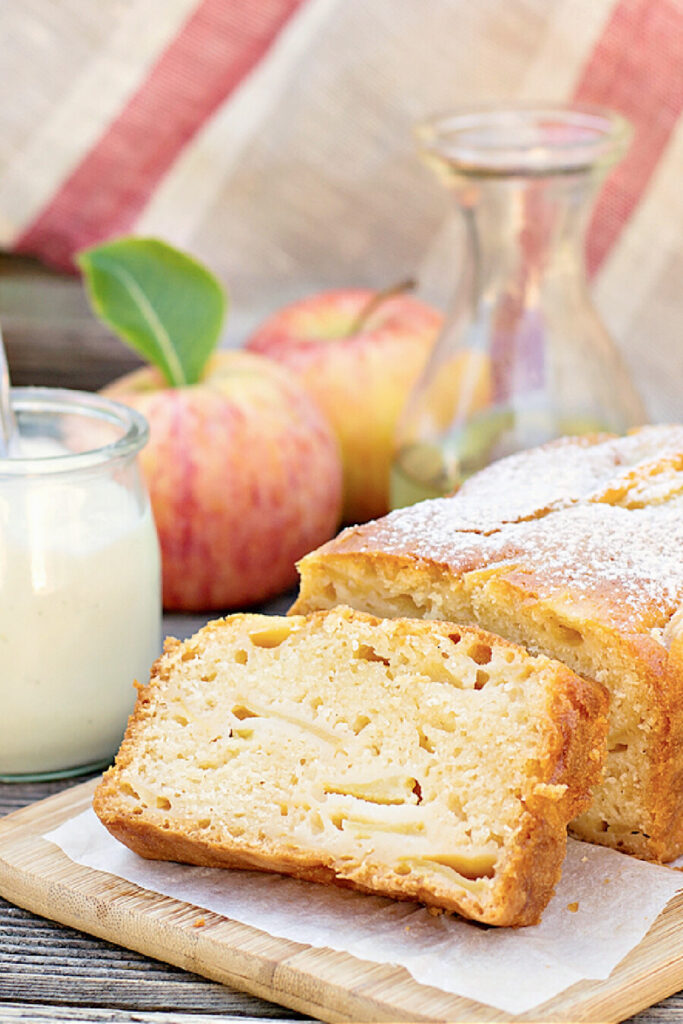APPLE CAKE WITH APPLES AND MILK