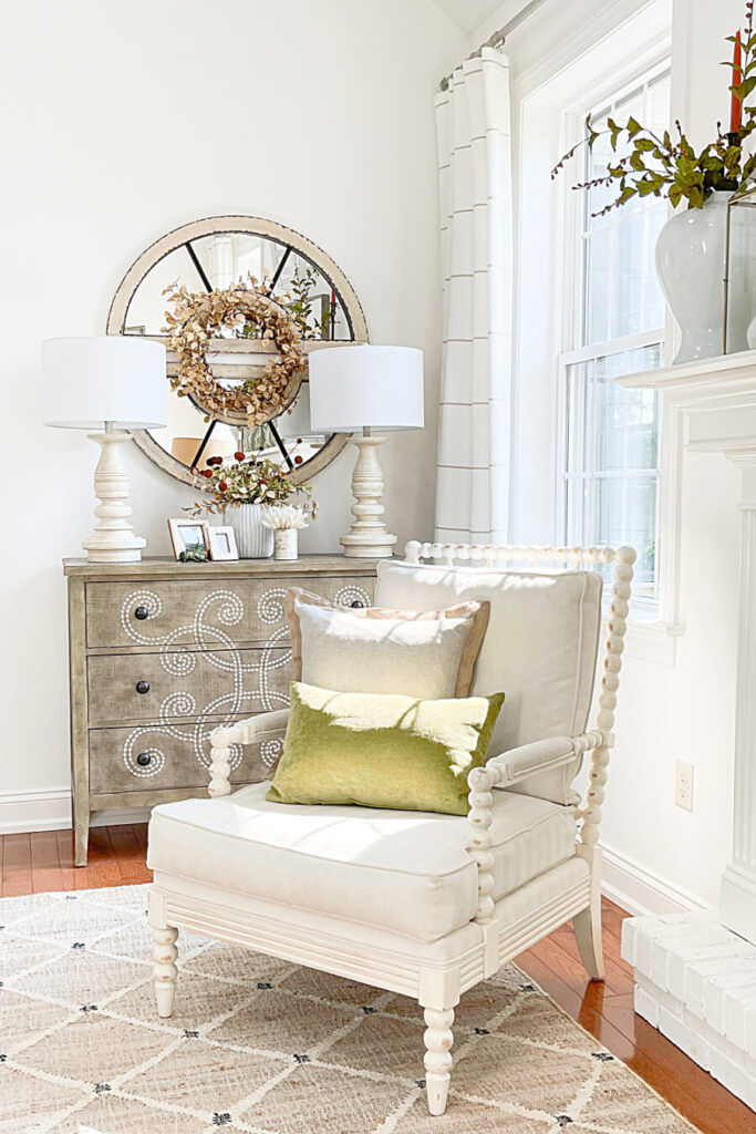 EASY TO DO FALL DECORATING IDEAS IN A LIVING ROOM